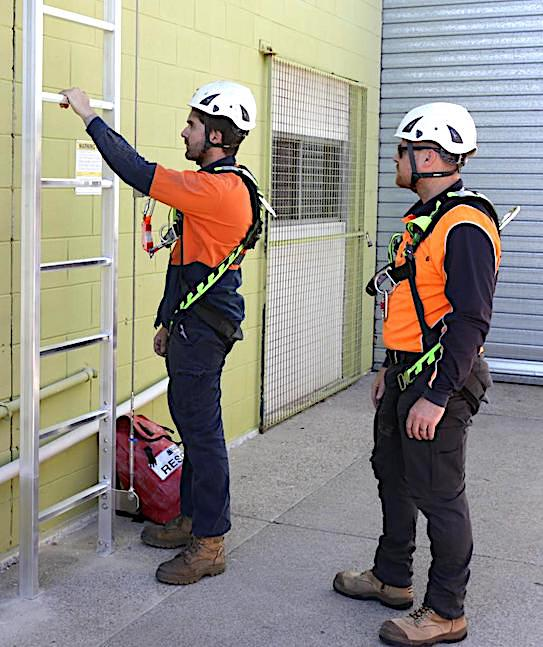 Vertical Ladders Height Safety Training BOX02 e1524529737539 860x1024 1 safe at heights queensland