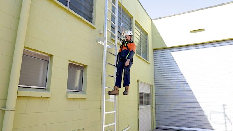 Vertical Ladders Height Safety Training VR000 Screenshot 1024x576 safe at heights queensland