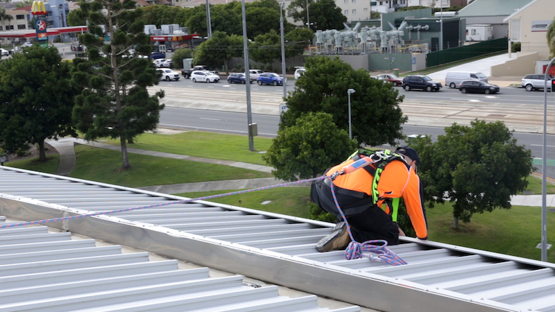 fall arrest systems safe at heights queensland 3