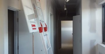 Fold Down Ladders Safe At Heights Queensland 20170516 093746